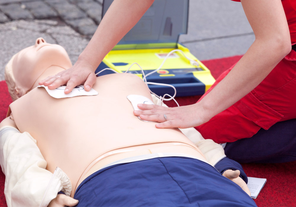 img-primeros-auxilios-desfibrilador (1)